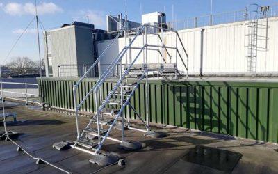 Step-overs que brindan acceso seguro en los tejados